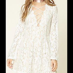 White Lace V-neck Dress❤️
